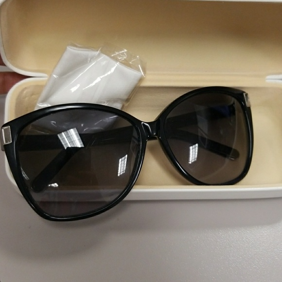74c754352fc Chloe Accessories - Chloe Shades
